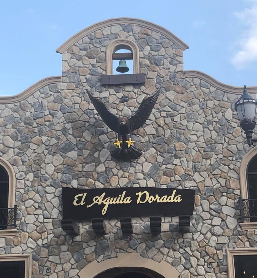 Front of El Aquila Dorada